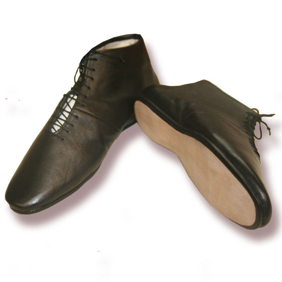 Ladies Front lacing leather shoe non stock size