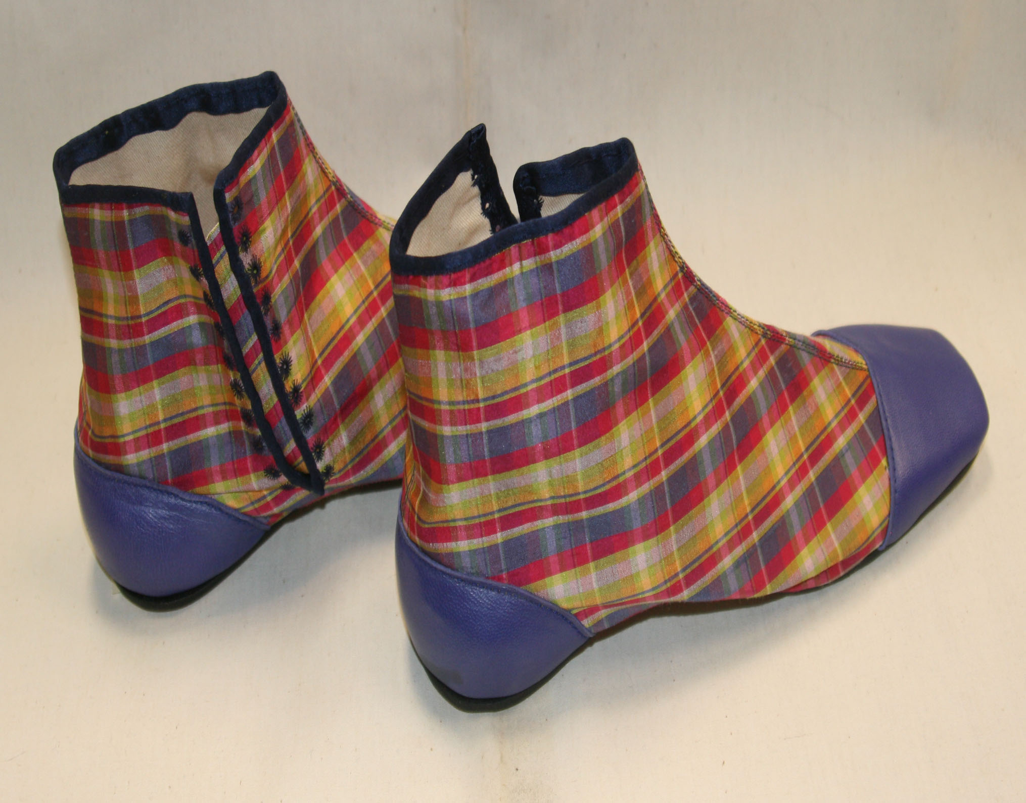 Purple blue plaid side lacers size 12