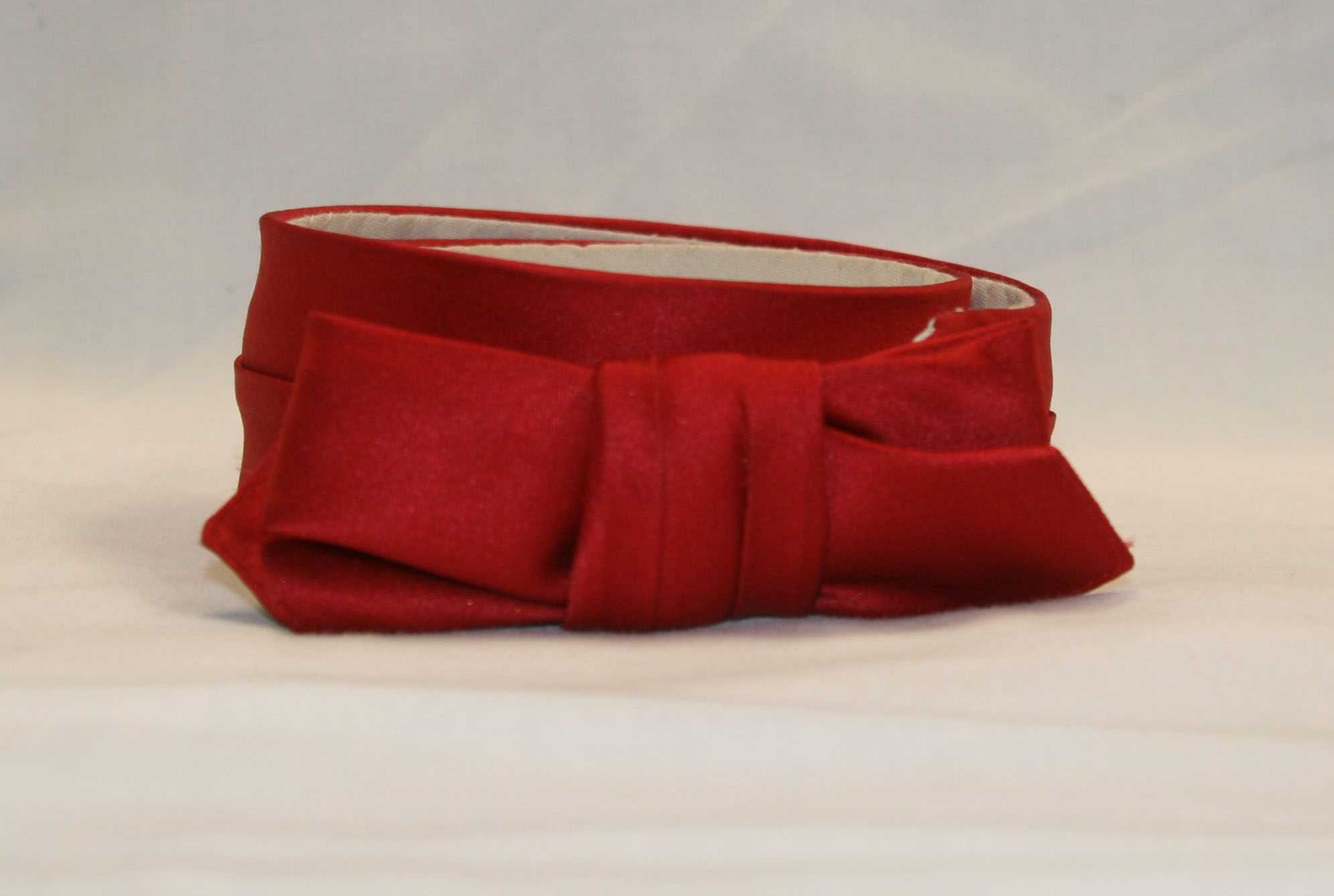 Spring Cravat red satin