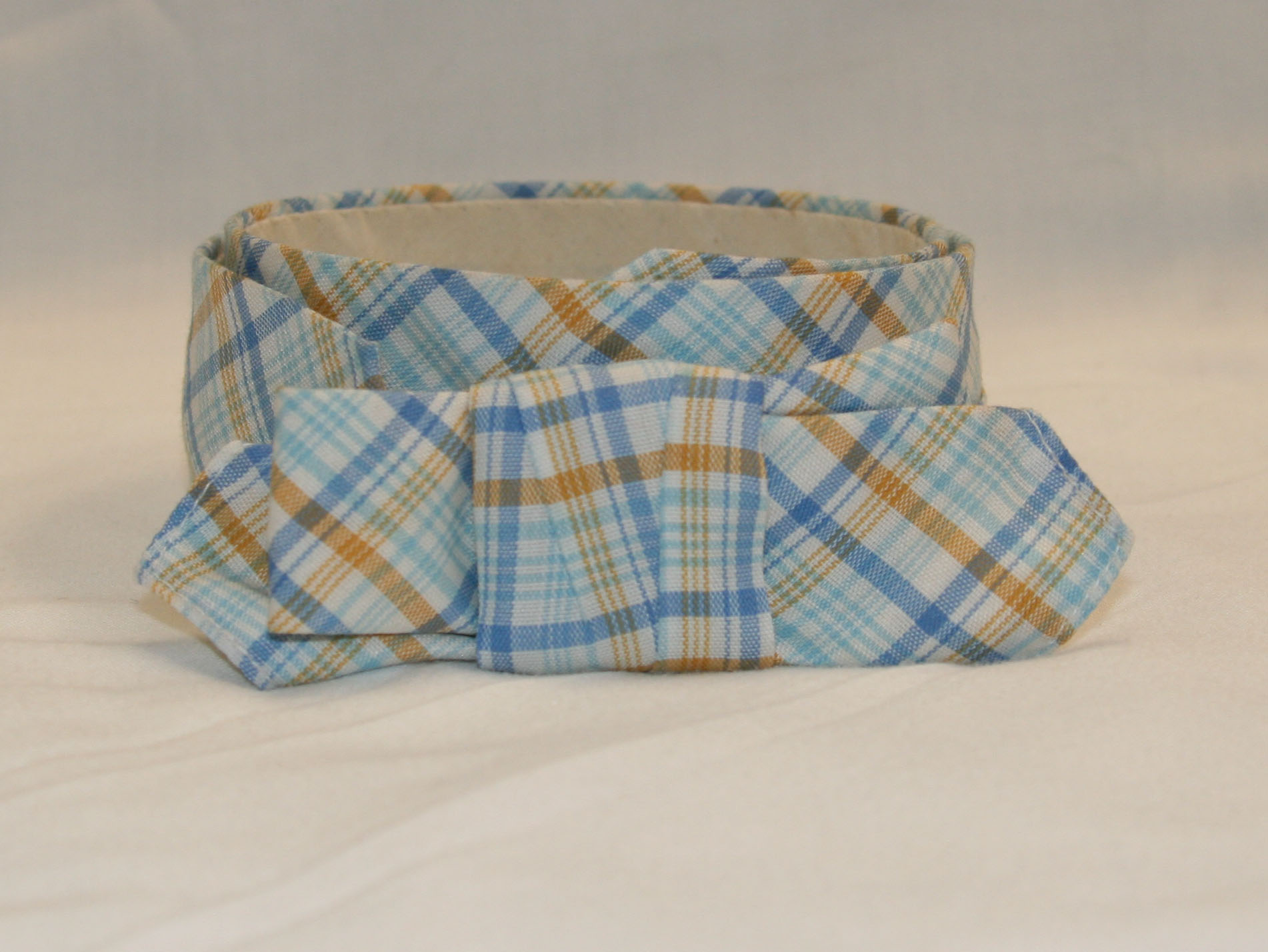 Spring Cravat Blue and yellow plaid