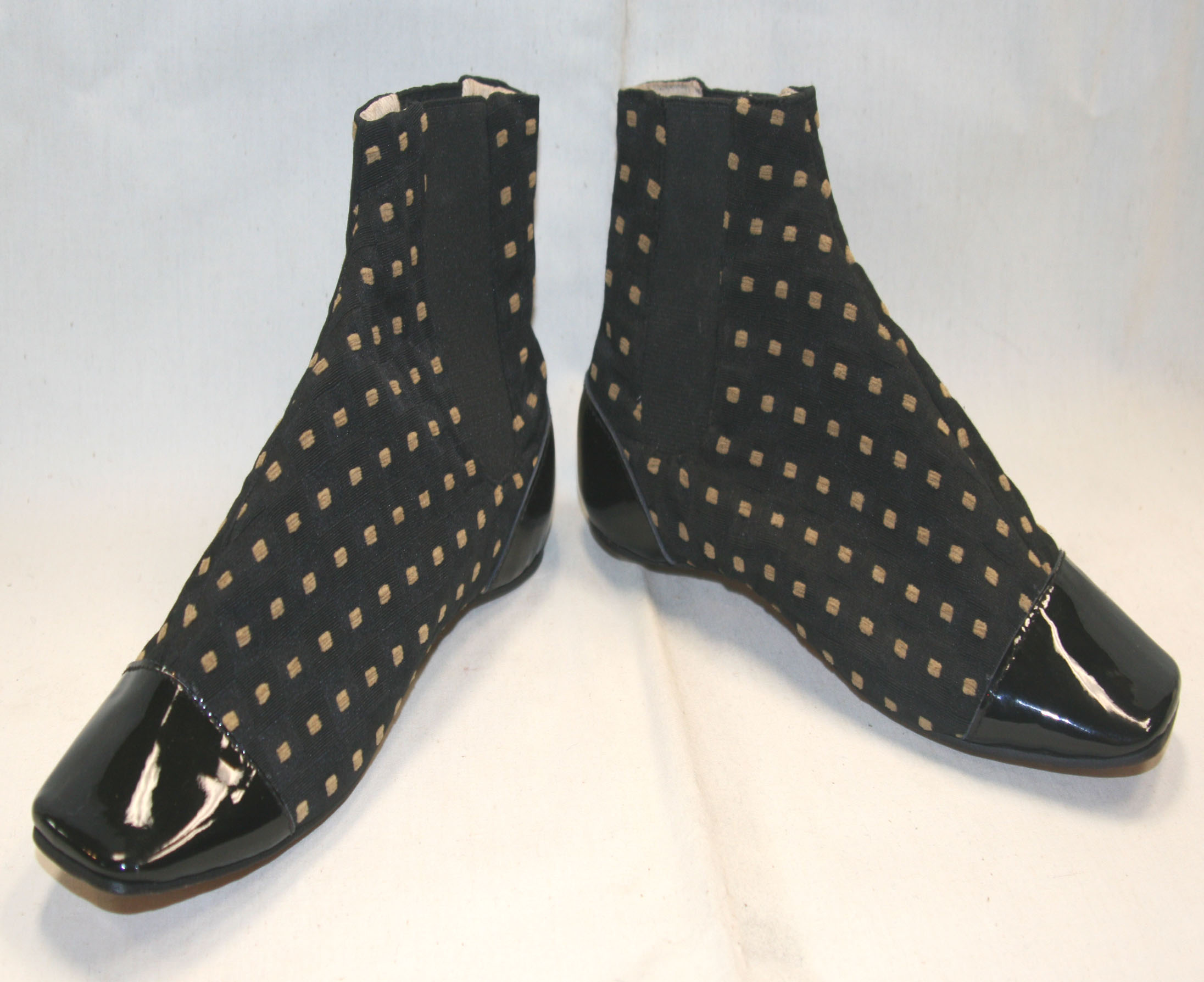 Black patterned Congress gaiters size 11