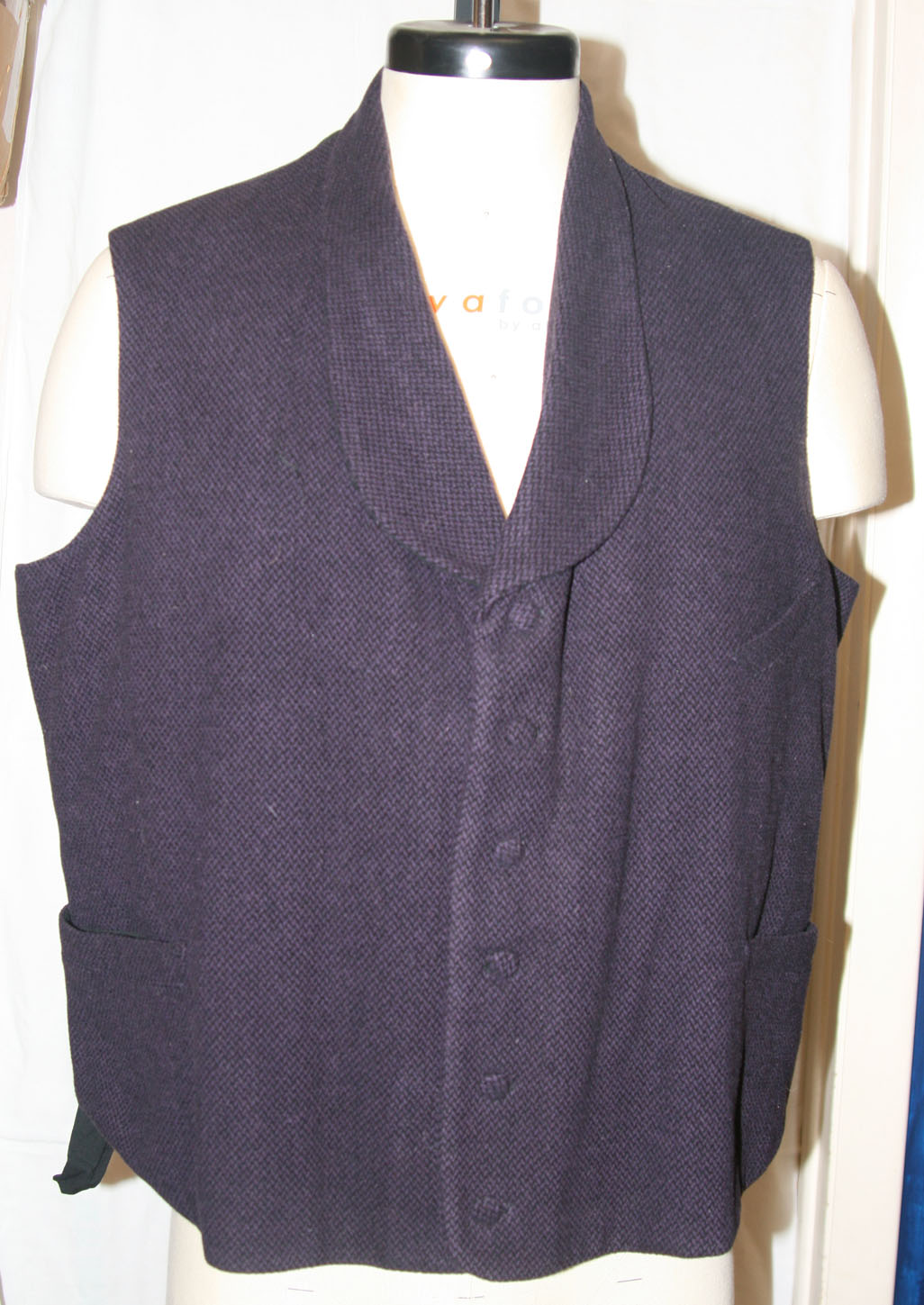 Shawl Collar vest purple wool size 44